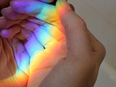 Regenboog in hand 3 (2) (1)